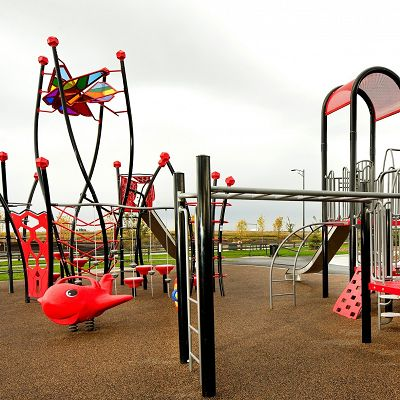 IONiX play structures promotes creativity and can be combined with PowerScape and PrimeTime playgrounds.
