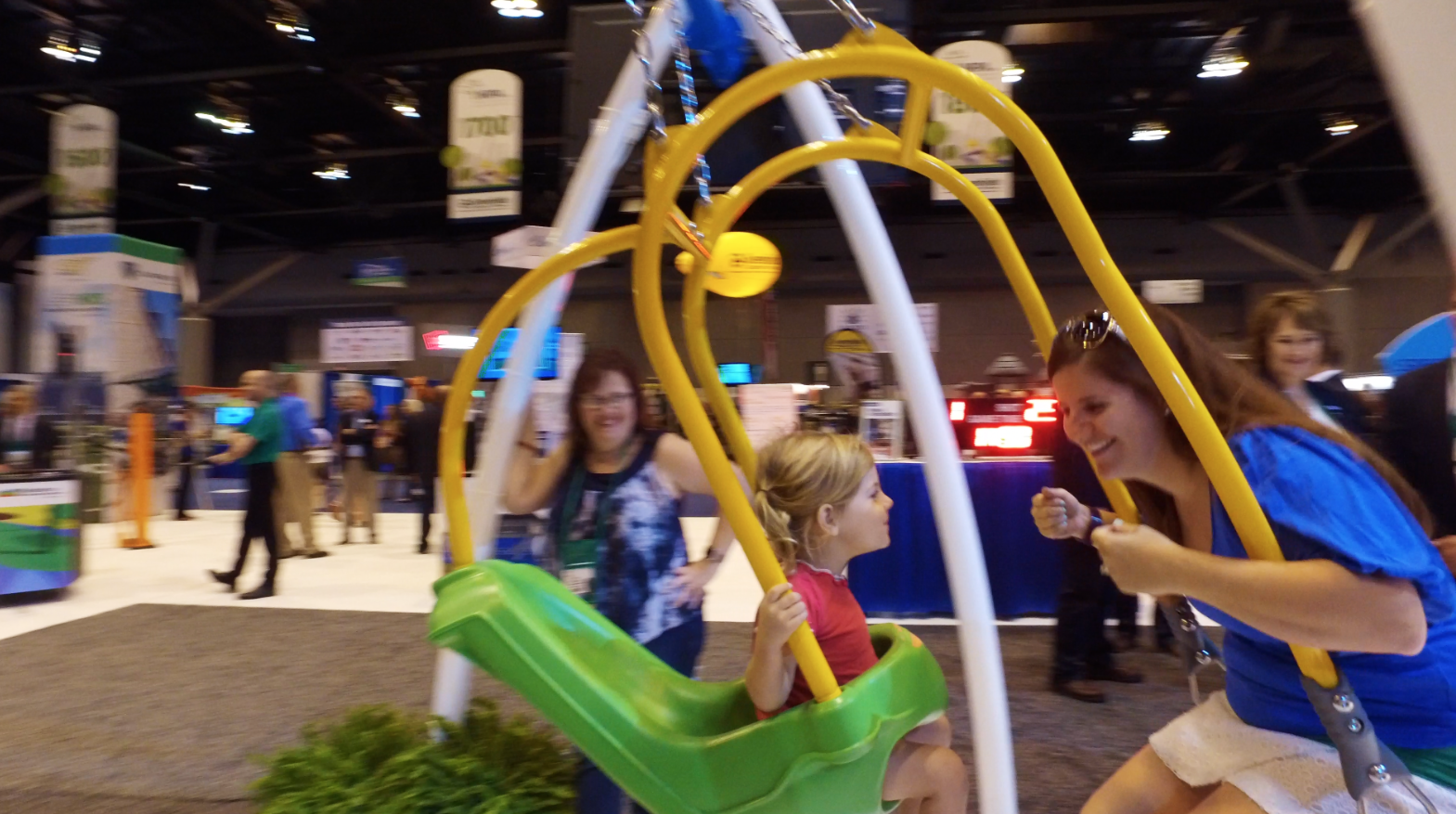 GameTime Introduces Expression Swing Toddler® at 2016 NRPA Annual Conference